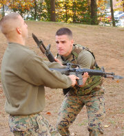 US Marines practice bayonet fighting